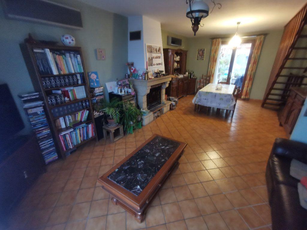 Maison à vendre 4 119m2 à Gaillon-sur-Montcient vignette-2