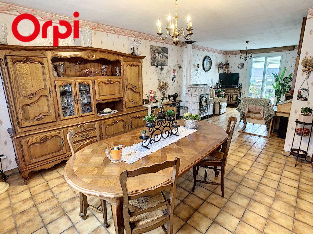Maison à vendre 7 130m2 à Juziers vignette-2