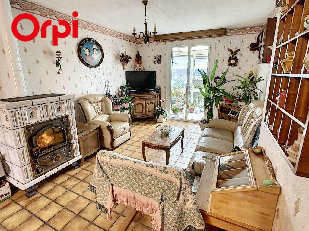 Maison à vendre 7 130m2 à Juziers vignette-3