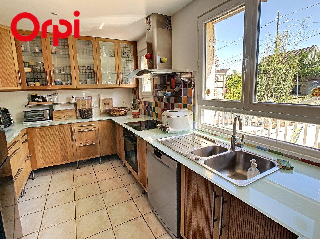 Maison à vendre 6 176m2 à Juziers vignette-2