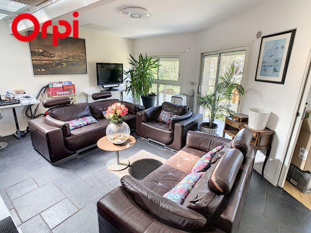 Maison à vendre 6 176m2 à Juziers vignette-4