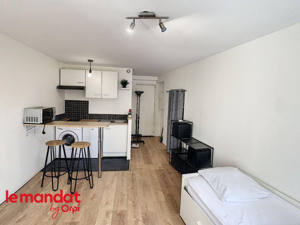 Appartement à louer 1 21m2 à Meulan-en-Yvelines vignette-3