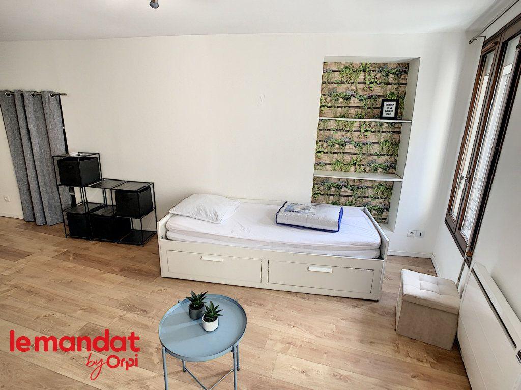 Appartement à louer 1 21m2 à Meulan-en-Yvelines vignette-5