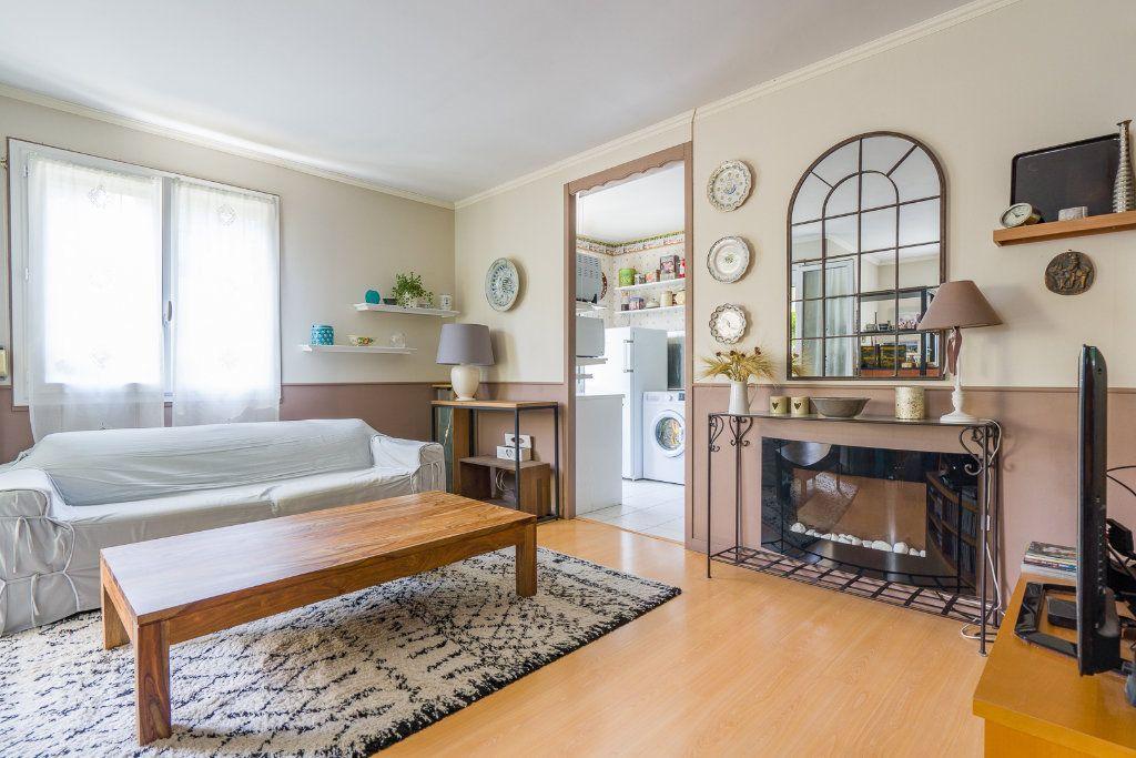 Appartement à vendre 5 102.52m2 à Noisy-le-Grand vignette-4