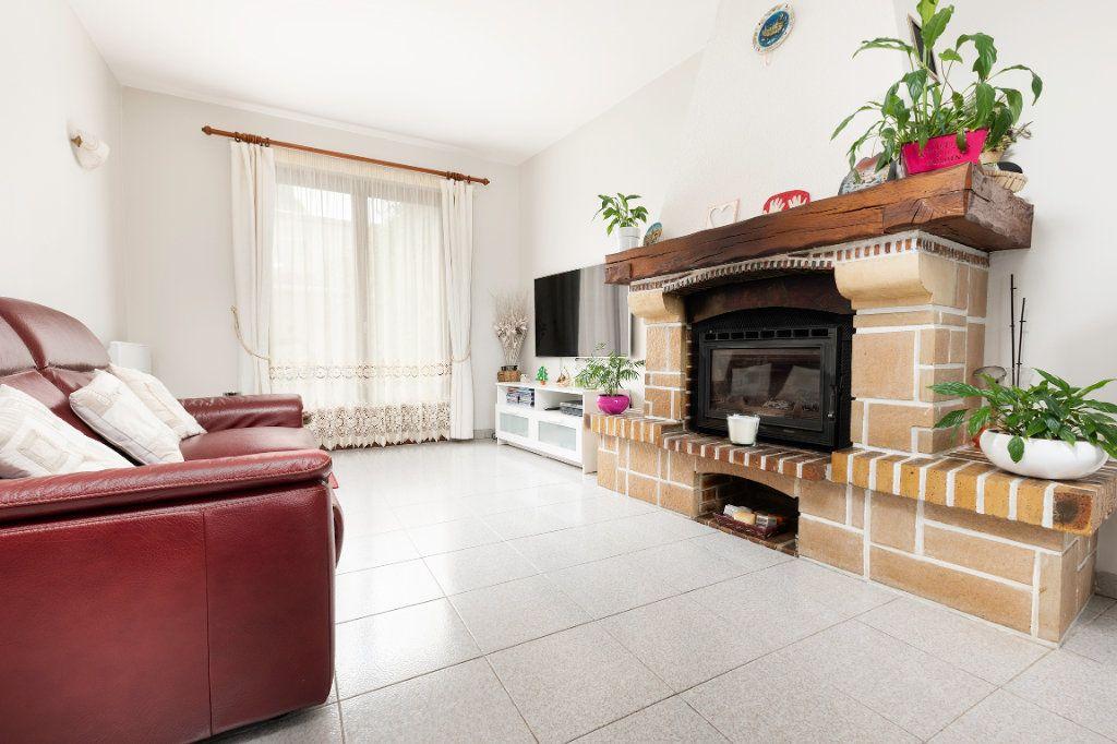 Maison à vendre 5 103m2 à Noisy-le-Grand vignette-1