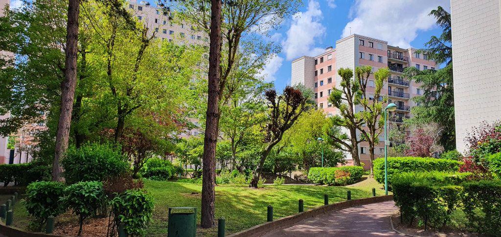 Appartement à vendre 5 100.53m2 à Neuilly-sur-Marne vignette-1