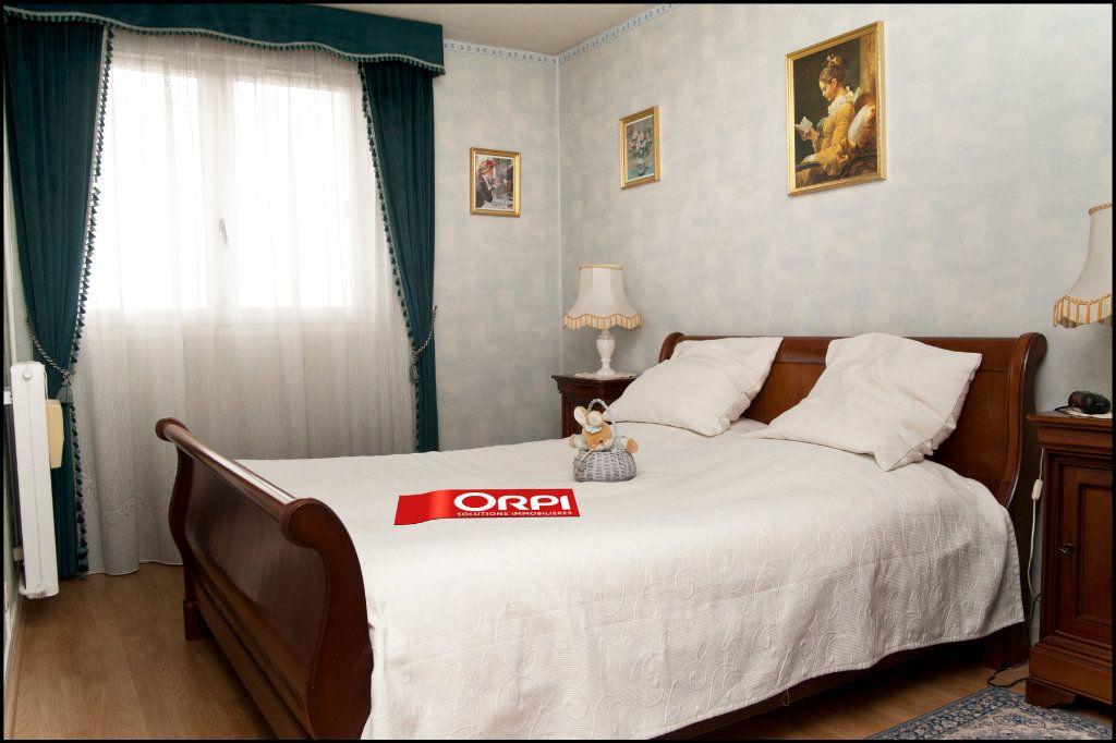Appartement à vendre 5 100.53m2 à Neuilly-sur-Marne vignette-7