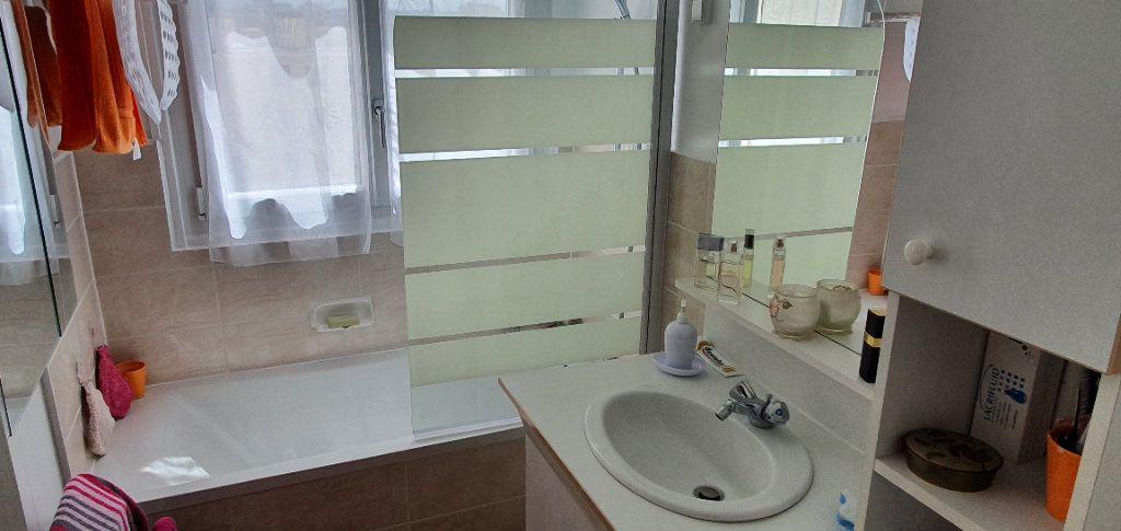 Appartement à vendre 5 100.53m2 à Neuilly-sur-Marne vignette-9