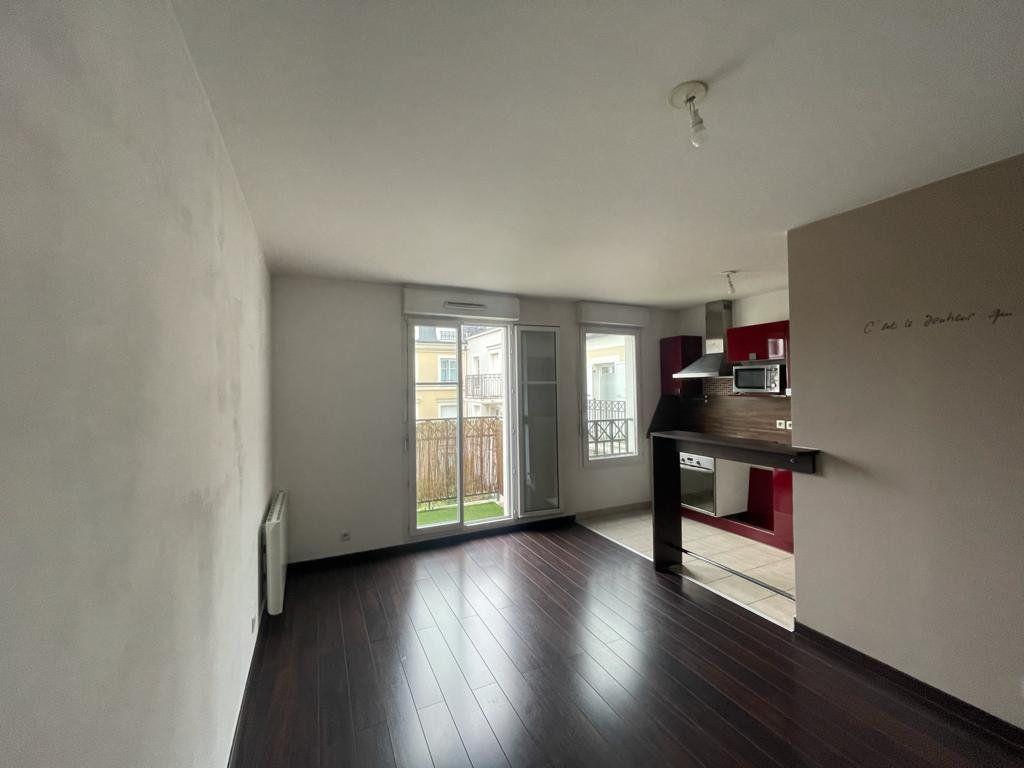 Appartement à louer 2 41.31m2 à Noisy-le-Grand vignette-2