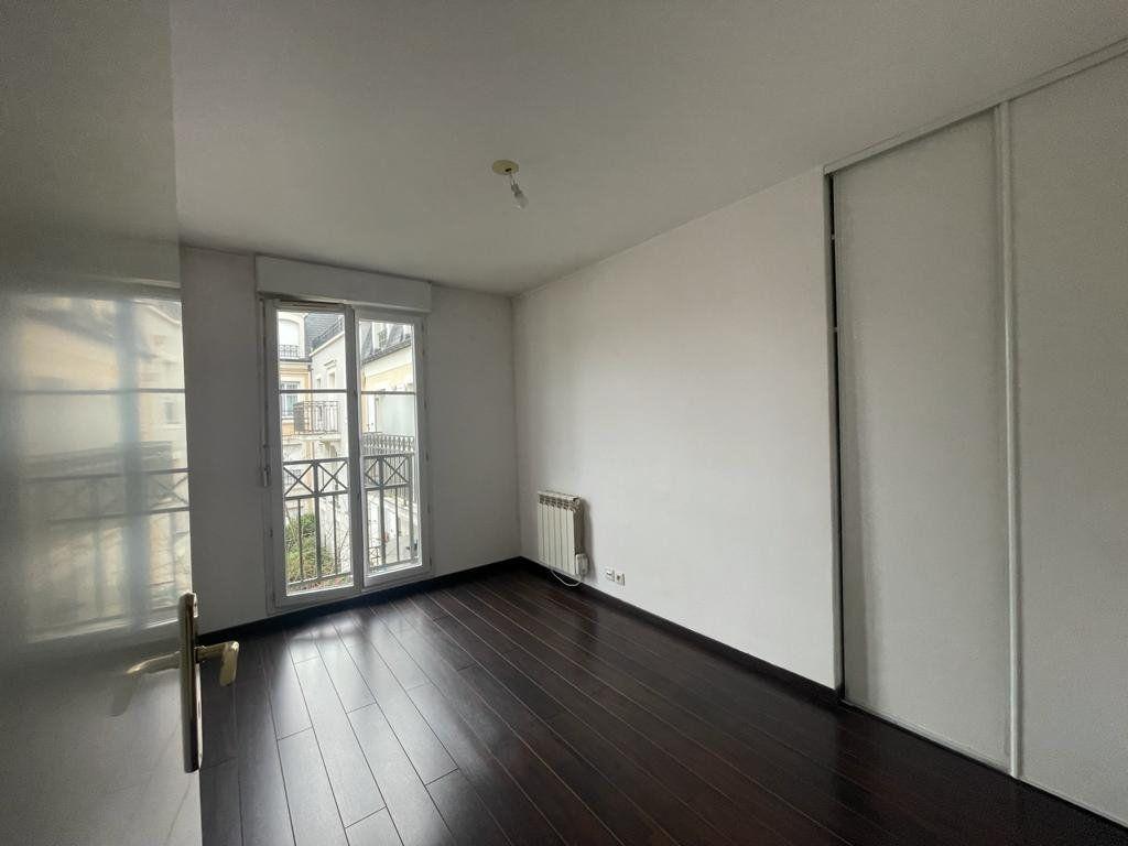 Appartement à louer 2 41.31m2 à Noisy-le-Grand vignette-3