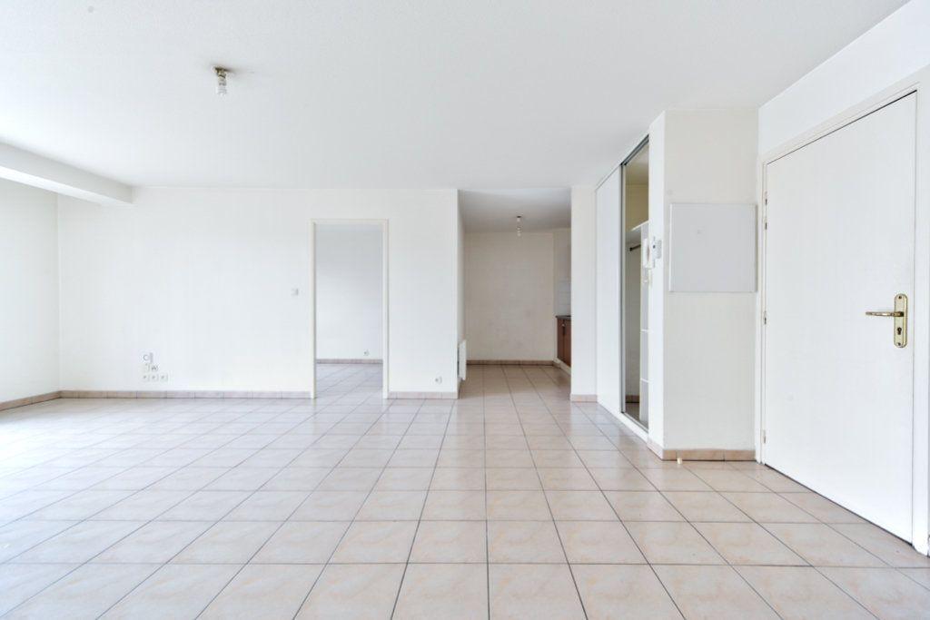 Appartement à vendre 3 70.28m2 à Toulouse vignette-3