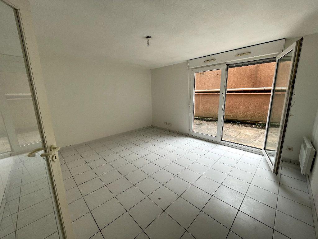 Appartement à vendre 3 60.4m2 à Toulouse vignette-3