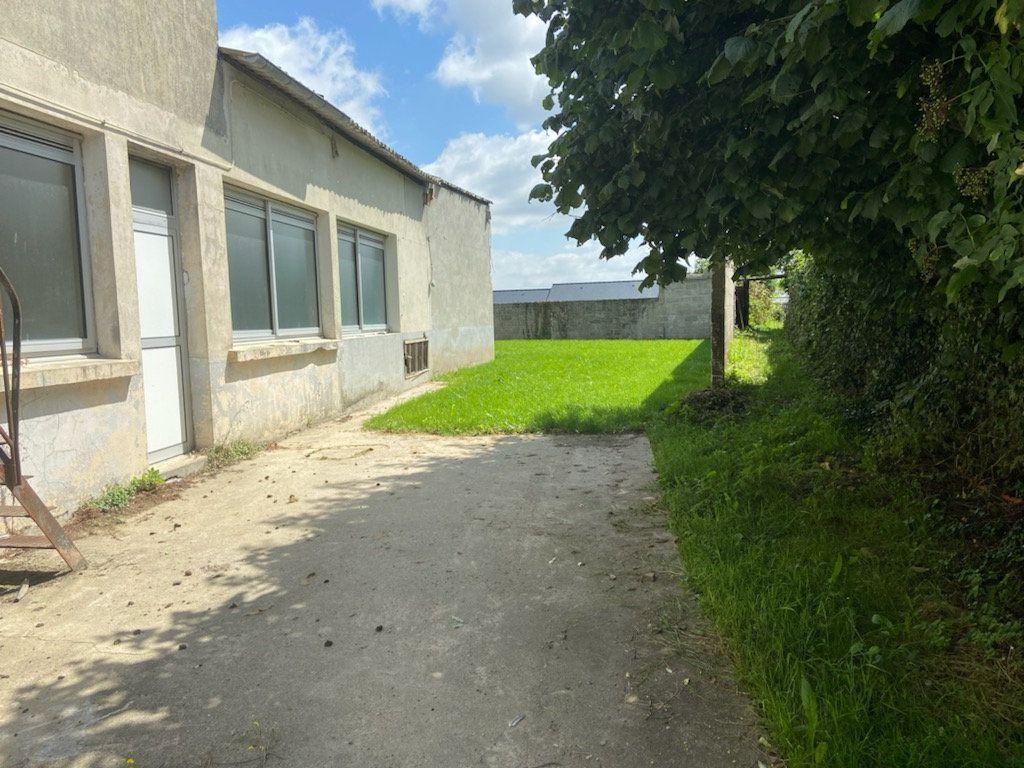 Maison à vendre 7 200m2 à Martigné-Ferchaud vignette-1