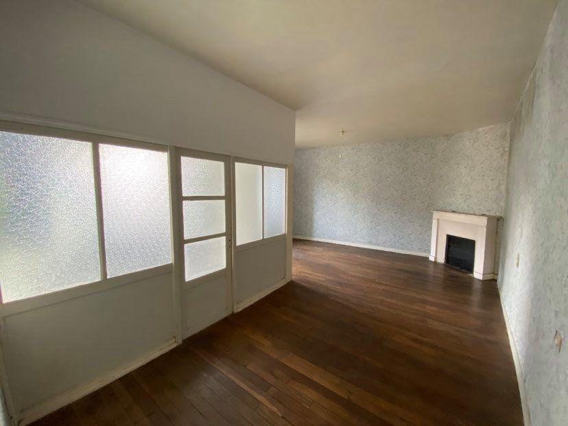 Maison à vendre 7 200m2 à Martigné-Ferchaud vignette-4