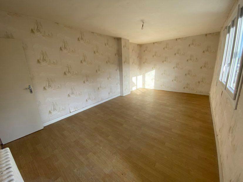 Maison à vendre 7 200m2 à Martigné-Ferchaud vignette-5