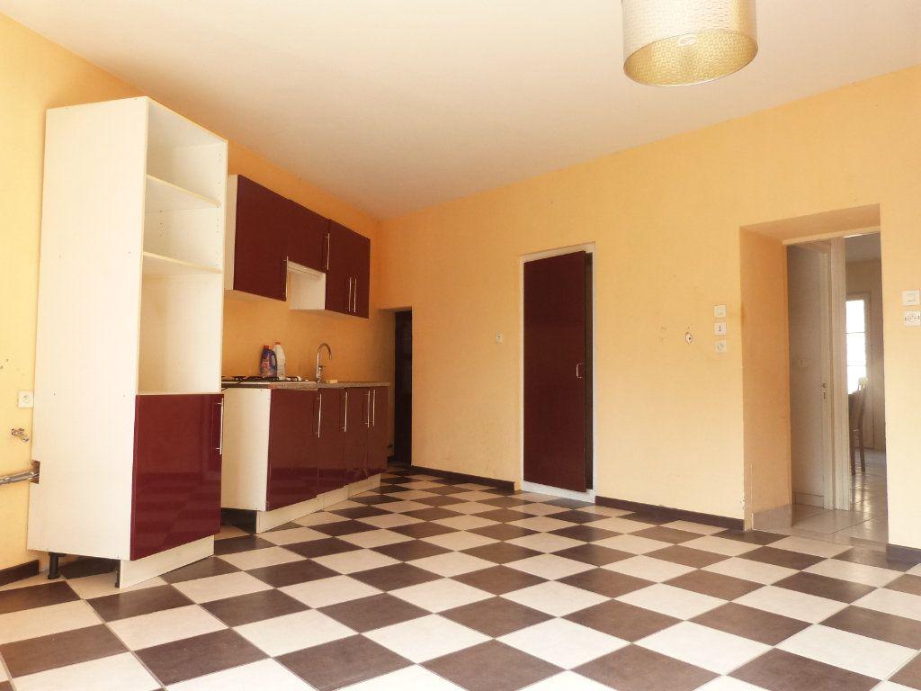 Maison à vendre 5 150m2 à Issé vignette-3