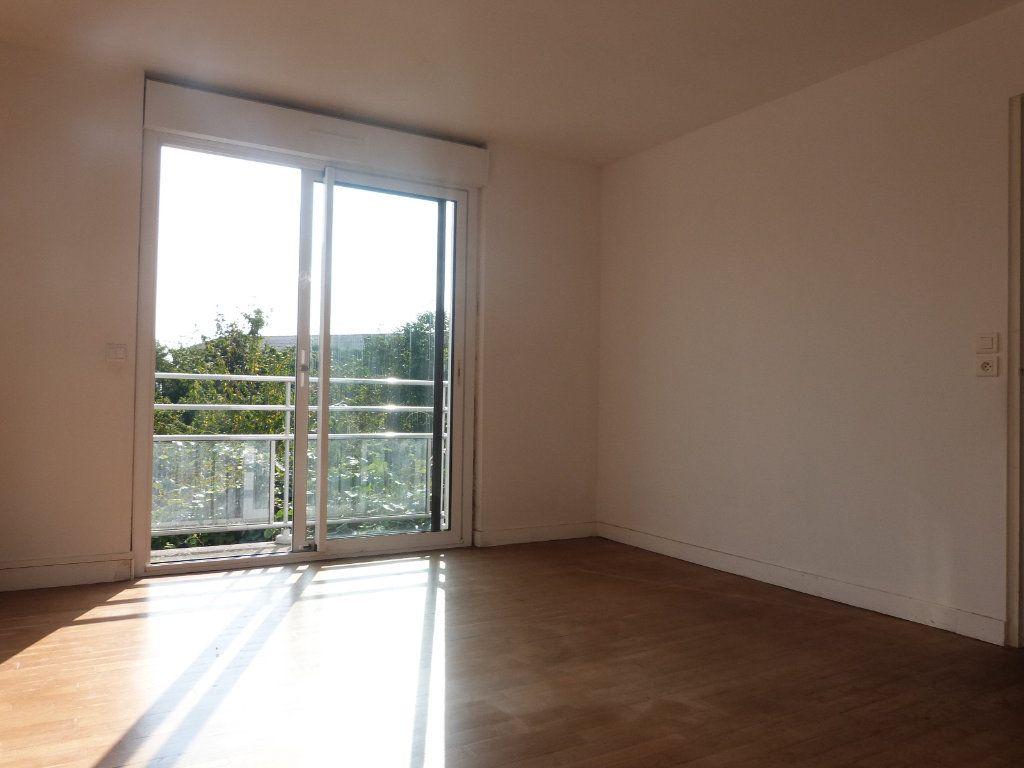 Maison à vendre 5 150m2 à Issé vignette-5