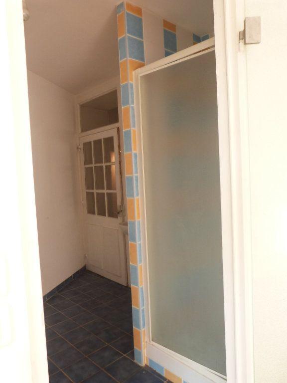 Maison à vendre 5 150m2 à Issé vignette-9