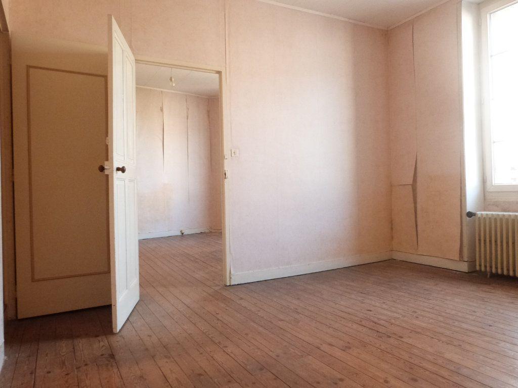 Maison à vendre 5 150m2 à Issé vignette-10
