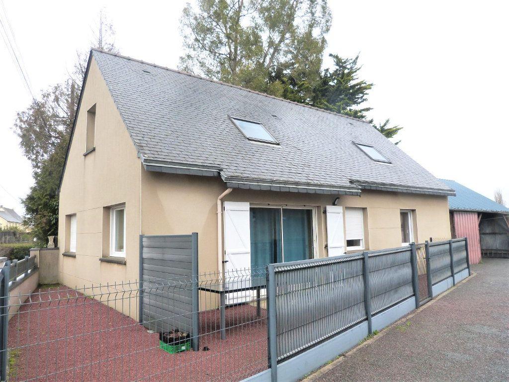 Maison à vendre 10 332m2 à Saint-Aubin-des-Châteaux vignette-3