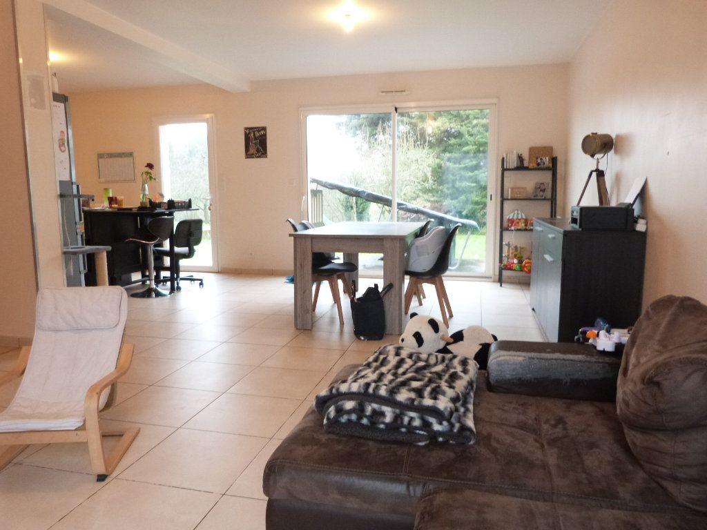 Maison à vendre 10 332m2 à Saint-Aubin-des-Châteaux vignette-6
