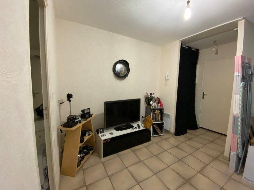 Appartement à louer 1 27m2 à Châteaubriant vignette-1