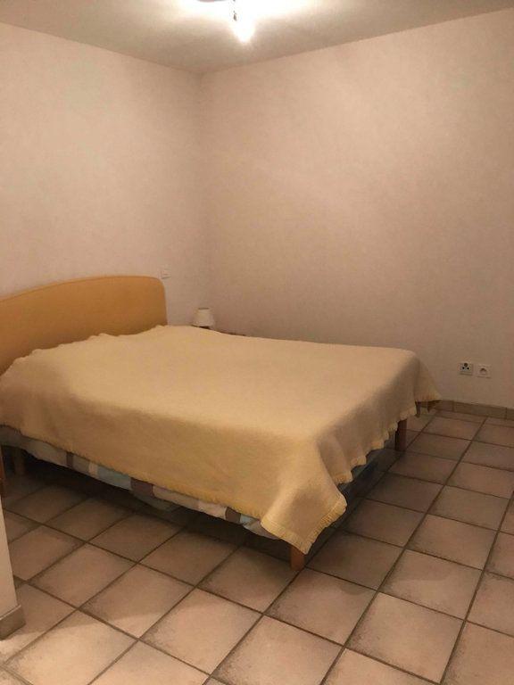 Appartement à louer 1 27m2 à Châteaubriant vignette-2