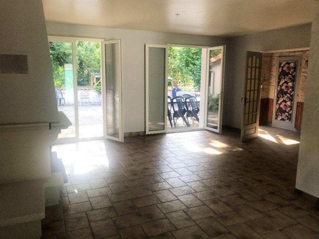 Maison à vendre 6 120m2 à Chaptelat vignette-4