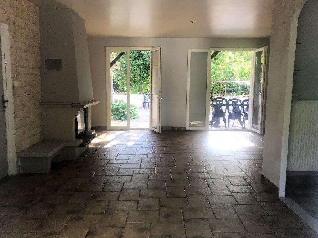 Maison à vendre 6 120m2 à Chaptelat vignette-5