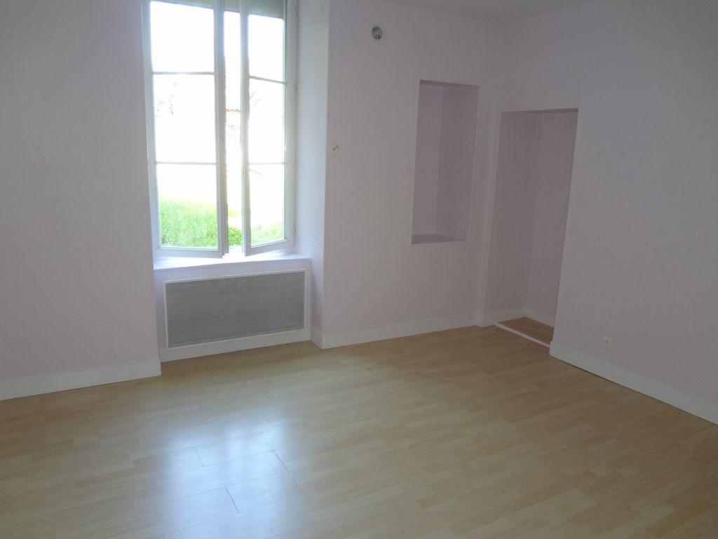 Appartement à louer 2 41.87m2 à Nieul vignette-3