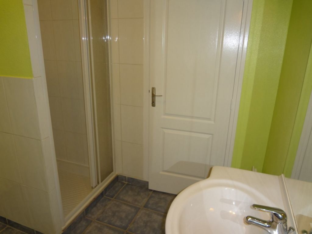 Appartement à louer 2 41.87m2 à Nieul vignette-4