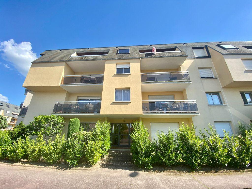 Appartement à vendre 5 116.11m2 à Limoges vignette-2