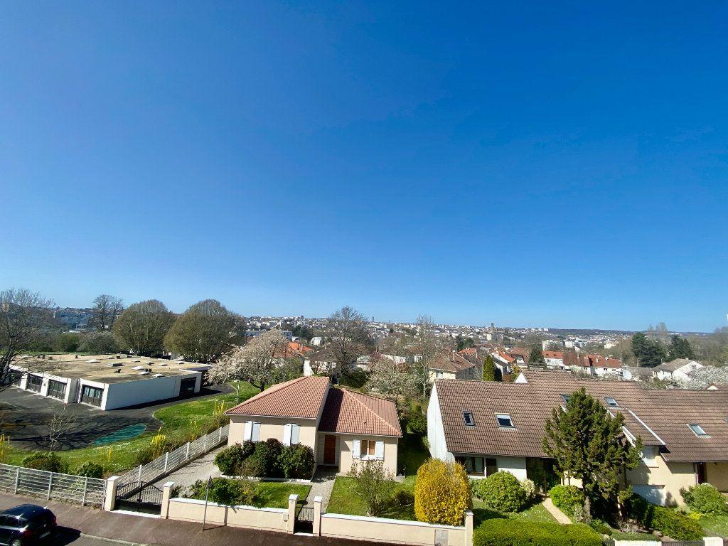 Appartement à vendre 5 116.11m2 à Limoges vignette-3