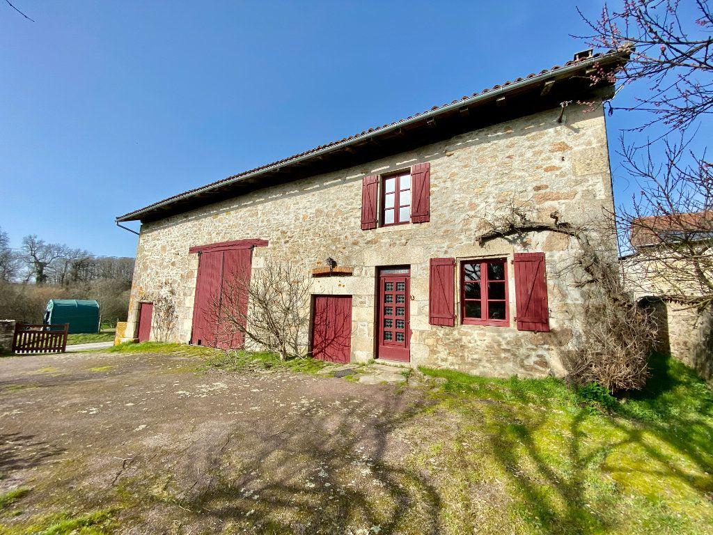 Maison à vendre 5 100m2 à Oradour-sur-Glane vignette-1