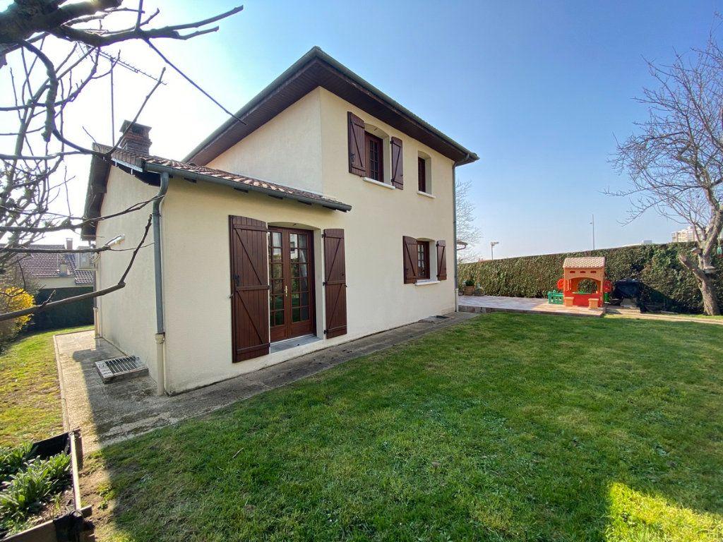 Maison à vendre 5 120m2 à Limoges vignette-10