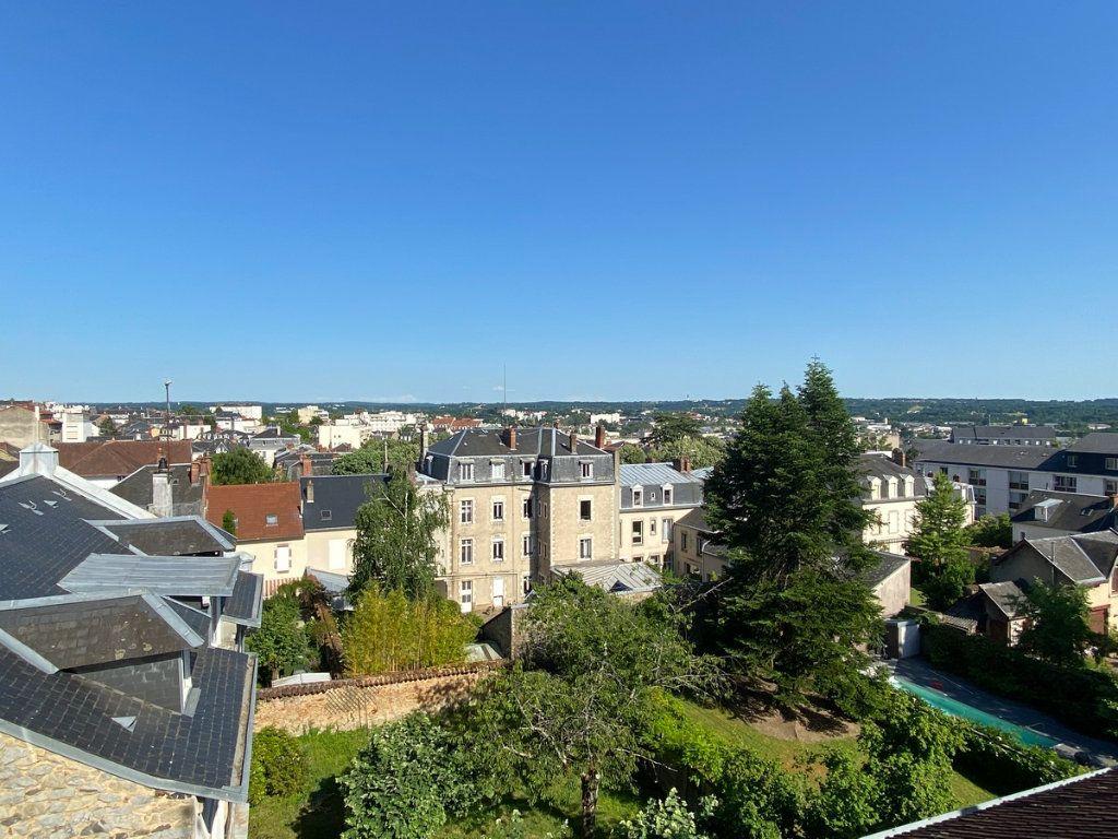 Appartement à vendre 5 121.2m2 à Limoges vignette-1