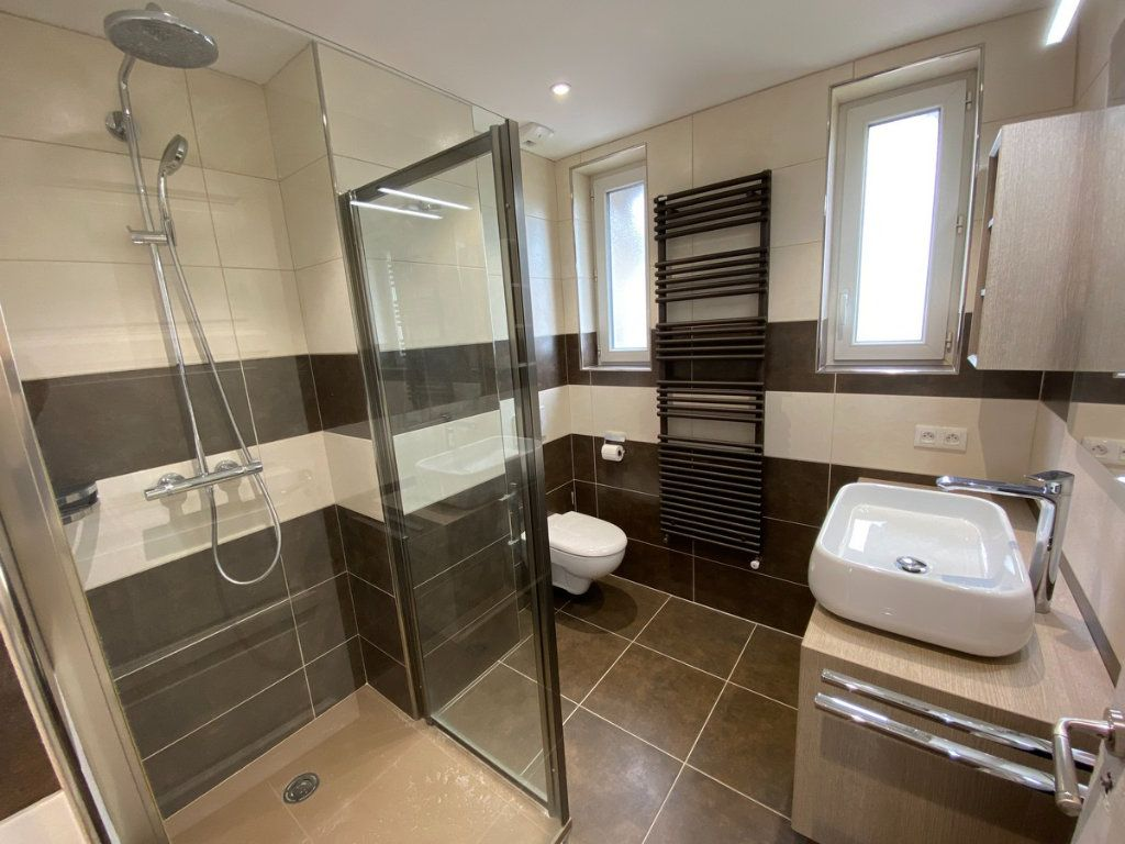 Appartement à vendre 5 121.2m2 à Limoges vignette-4