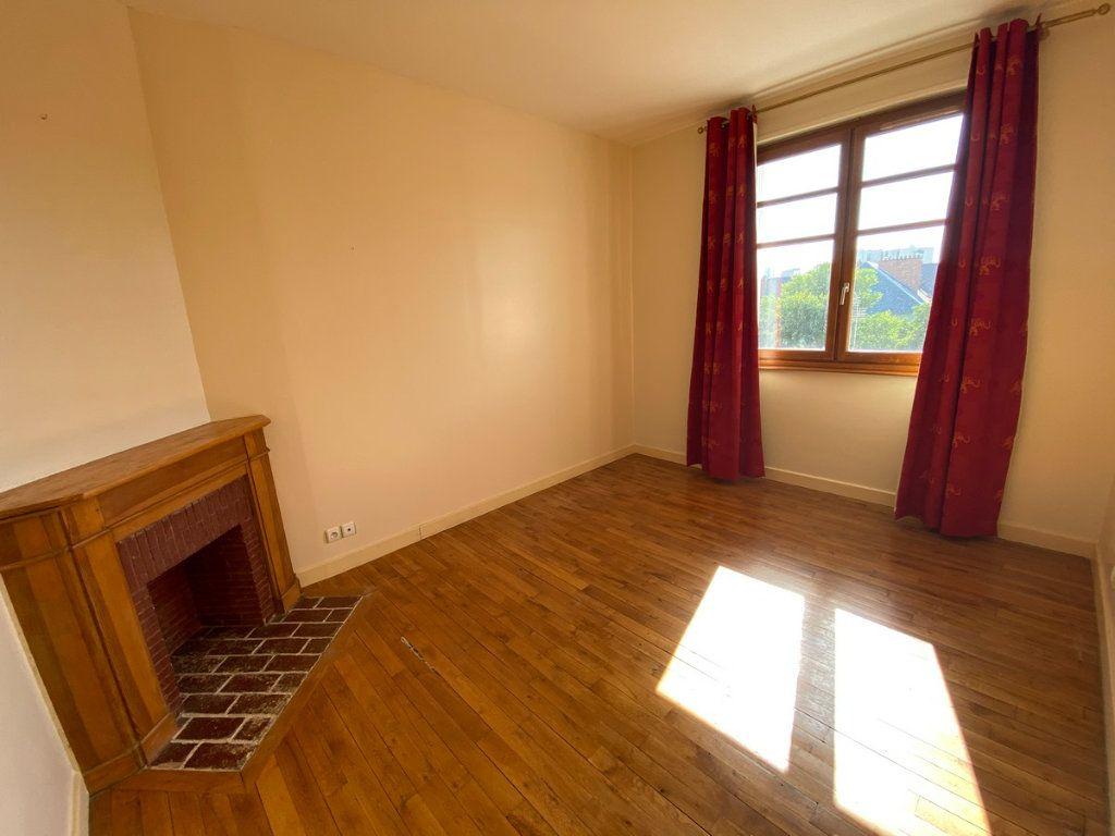Appartement à vendre 5 121.2m2 à Limoges vignette-5