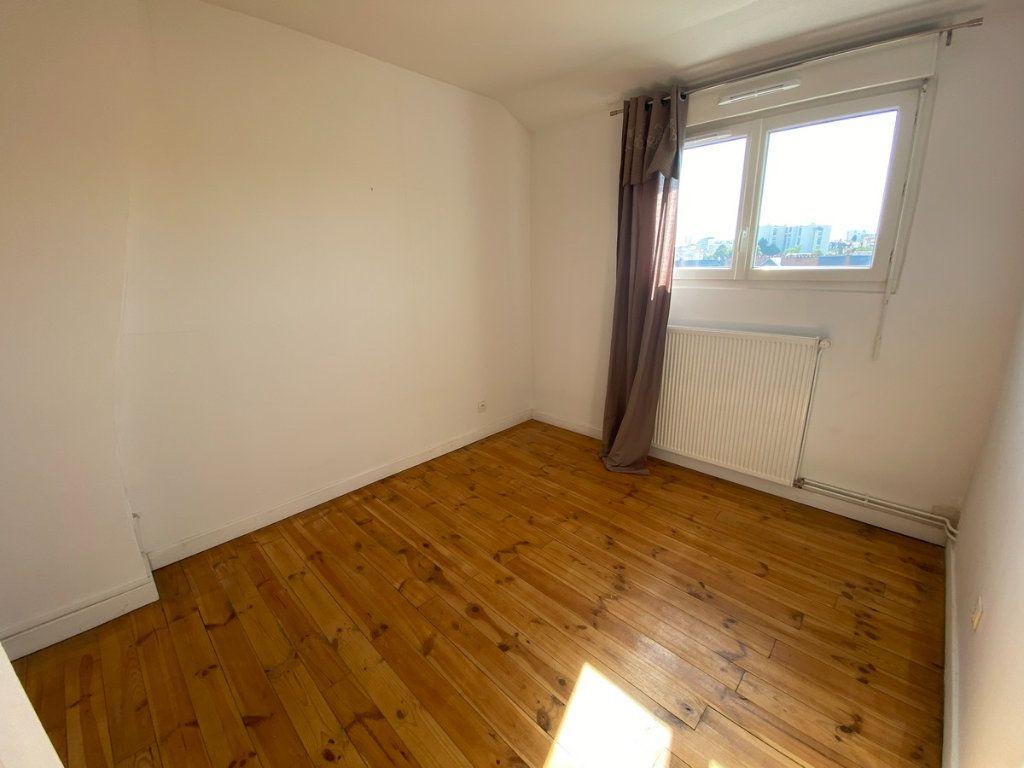 Appartement à vendre 5 121.2m2 à Limoges vignette-8