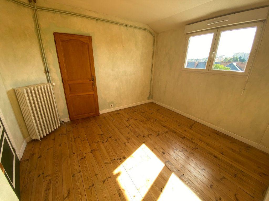 Appartement à vendre 5 121.2m2 à Limoges vignette-10