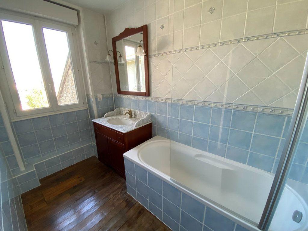 Appartement à vendre 5 121.2m2 à Limoges vignette-11