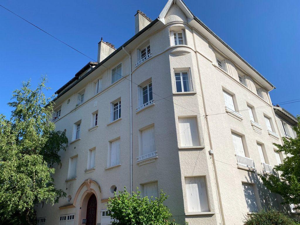 Appartement à vendre 5 121.2m2 à Limoges vignette-12