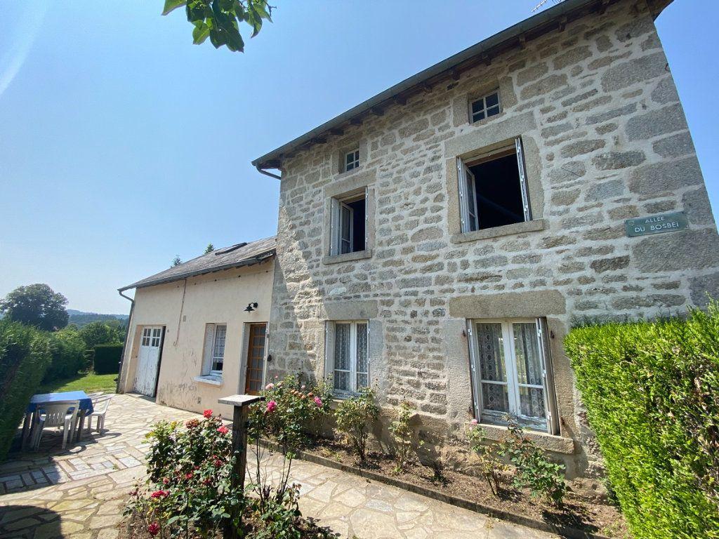 Maison à vendre 5 79.3m2 à Peyrat-le-Château vignette-1
