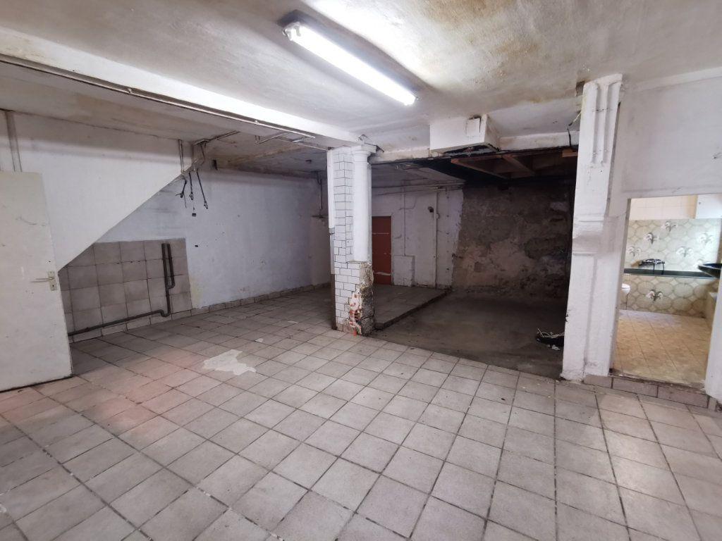 Maison à vendre 9 220m2 à Billom vignette-2