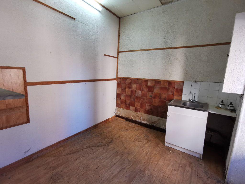 Maison à vendre 9 220m2 à Billom vignette-4