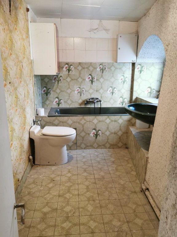 Maison à vendre 9 220m2 à Billom vignette-7