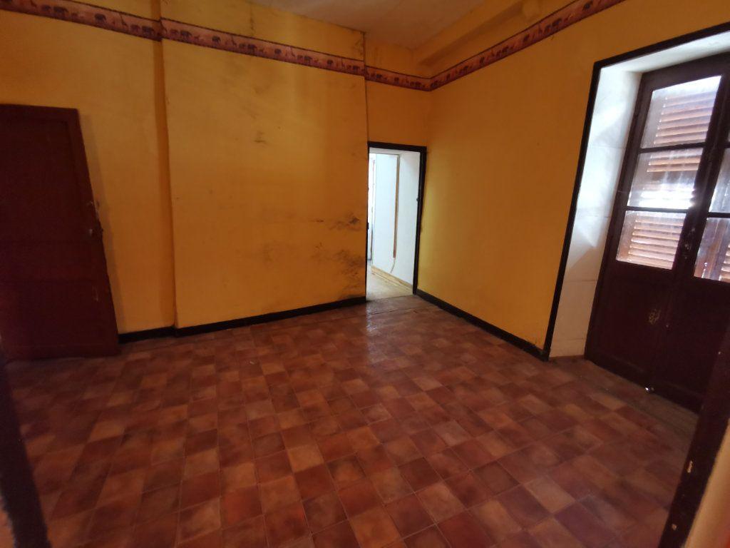 Maison à vendre 9 220m2 à Billom vignette-8