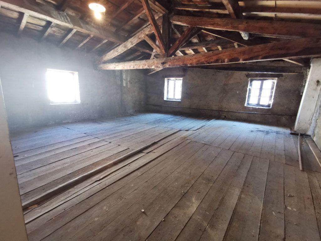 Maison à vendre 9 220m2 à Billom vignette-9