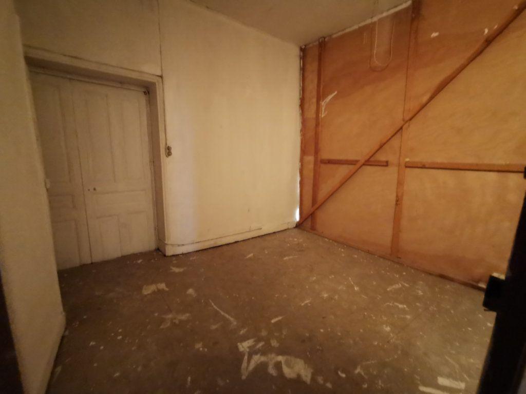Maison à vendre 9 220m2 à Billom vignette-10