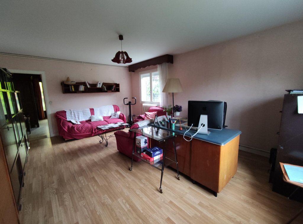 Maison à vendre 6 149m2 à Cournon-d'Auvergne vignette-9
